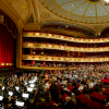 Der Saal des Royal Opera House in London. Foto: ROH, Sim Canetty-Clarke