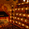 Der Saal des Teatro Colon. Foto: wikimedia commons, by HalloweenHJB [CC BY-SA 3.0  (https://creativecommons.org/licenses/by-sa/3.0) or GFDL (http://www.gnu.org/copyleft/fdl.html)]